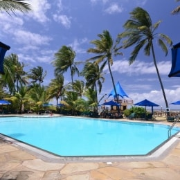 bahari-beach-hotel-baseinas-15790