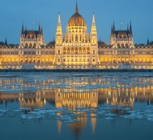 budapestas-parlamentas-ziema-12386