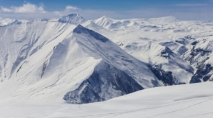 gudauri-gruzija-kalnai-13000