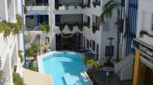 kassavetis-studios-hotel-apartments-baseinas-is-virsaus-16475