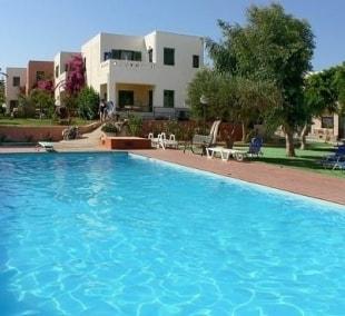 kritzas-beach-bungalows-suites-baseinas-13674