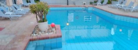 marilisa-hotel-baseinas-12718