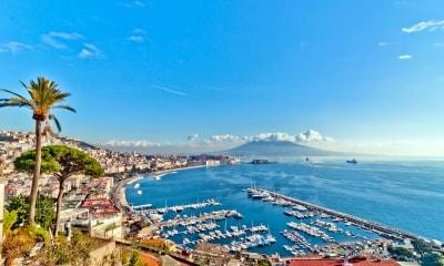 norėjo dirbti namuose neapolyje)