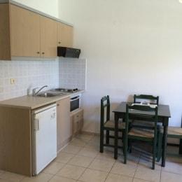 nikolas-villas-appartments-virtuve-10071