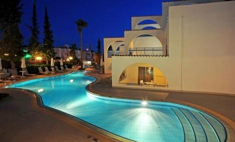 petrosana-hotel-apartments-baseinas-17184