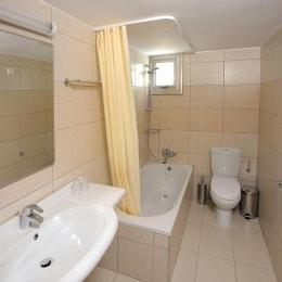 petrosana-hotel-apartments-vonia-17187