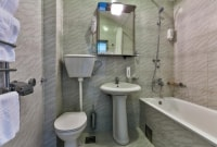 villa-velzon-juodkalnija-vonios-kambarys-sonas-16812