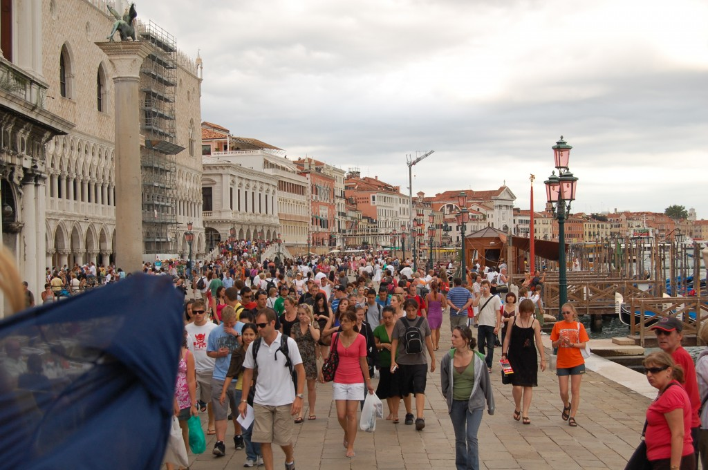 Venecija. Minia žmonių, Makalius, Italija