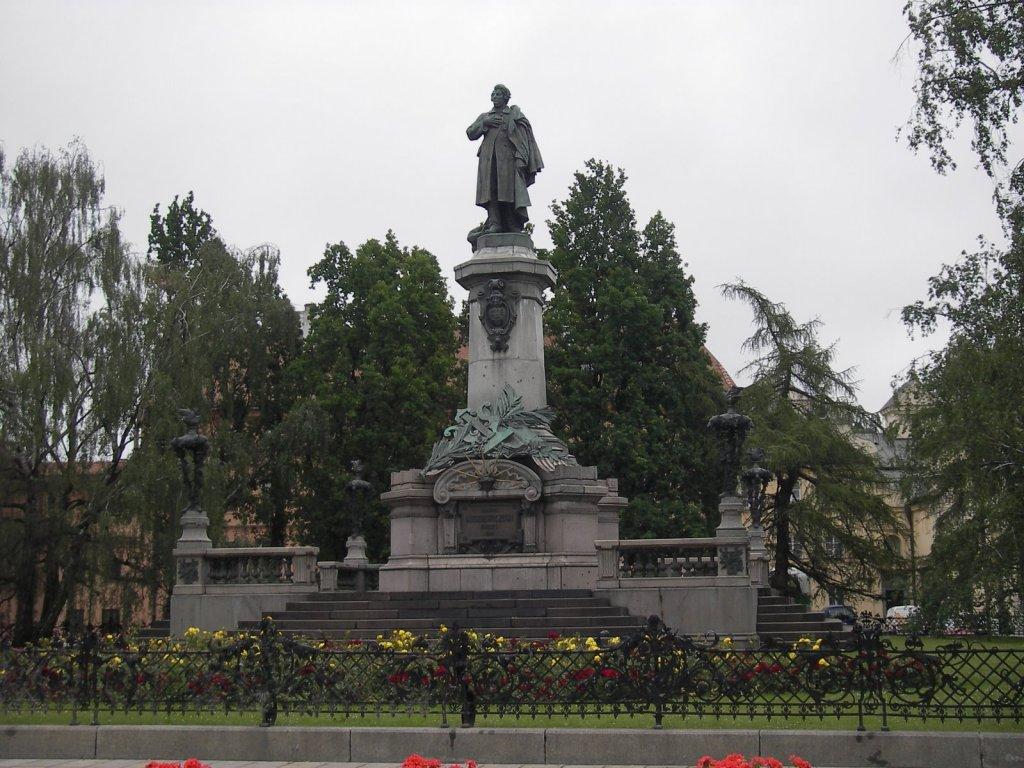 varsuva-mickeviciaus paminklas