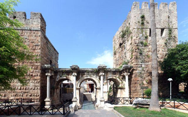 Antalya Hadriano vartai