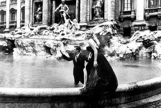 La Dolce Vita. Trevi fontanas 4