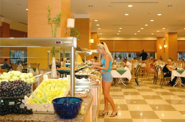 TRAMAXIM_KEMR-Maxim-Deluxe-Resort_Maxim-yemek