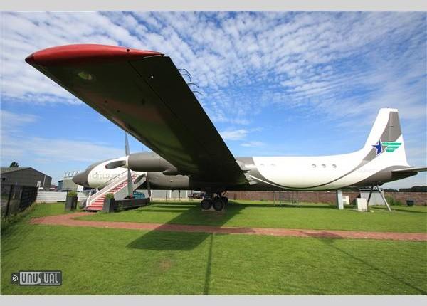 AirplaneSuite634279594891331250_big