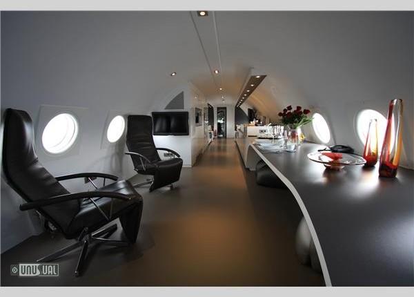 AirplaneSuite634279597623675000_big